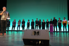 Gruppe auf Bühne 2