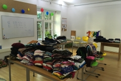Kleidung im Raum