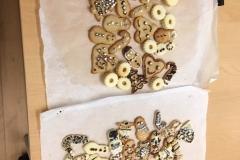 Zwei Blech Kekse